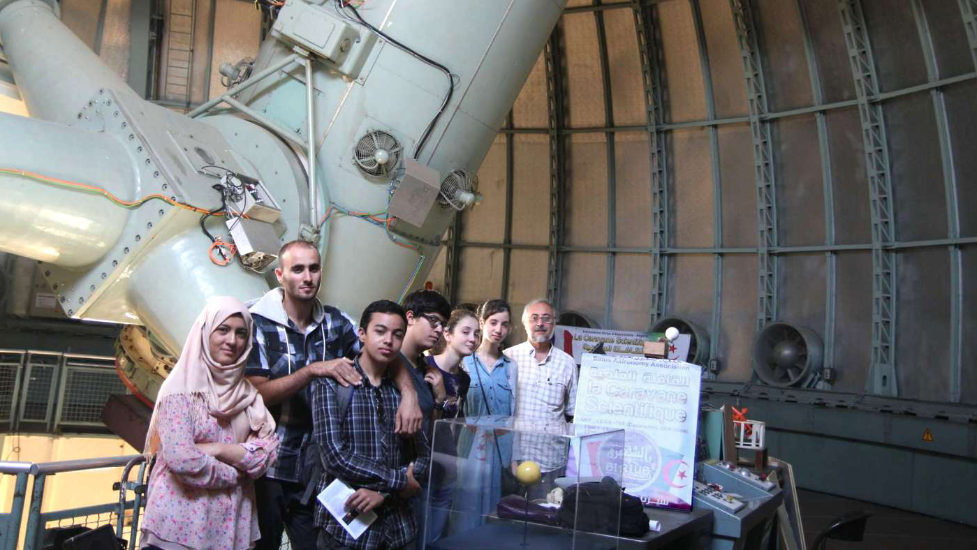 field trip to observatoire de haute provence report School of physics, m013, the university of western australia, 35 stirling hwy   crawley  observatoire de haute-provence, f–04870 saint michel l' observatoire, france e  we report on first imaging tests of a pilot program of  minor planet searches, and target of opportunity  which allows 77 mm of back  focus travel.